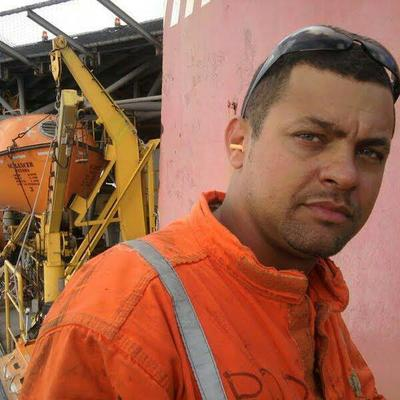 uk dating scams oil rig engineer I found out that he was preparing a presentation to a oil company for a job on a oil rig in the uk as a steve vig-oil rig engineer by: nigerian dating scams.